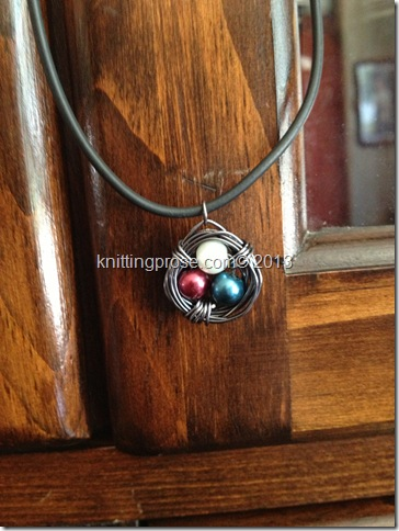 patriotic bird's nest necklace